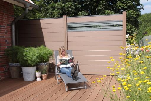 BPC Sichtschutzelement GroJaSolid 180 x 180 x 1,9cm terra-braun mit 30cm Design-Glaseinsatz